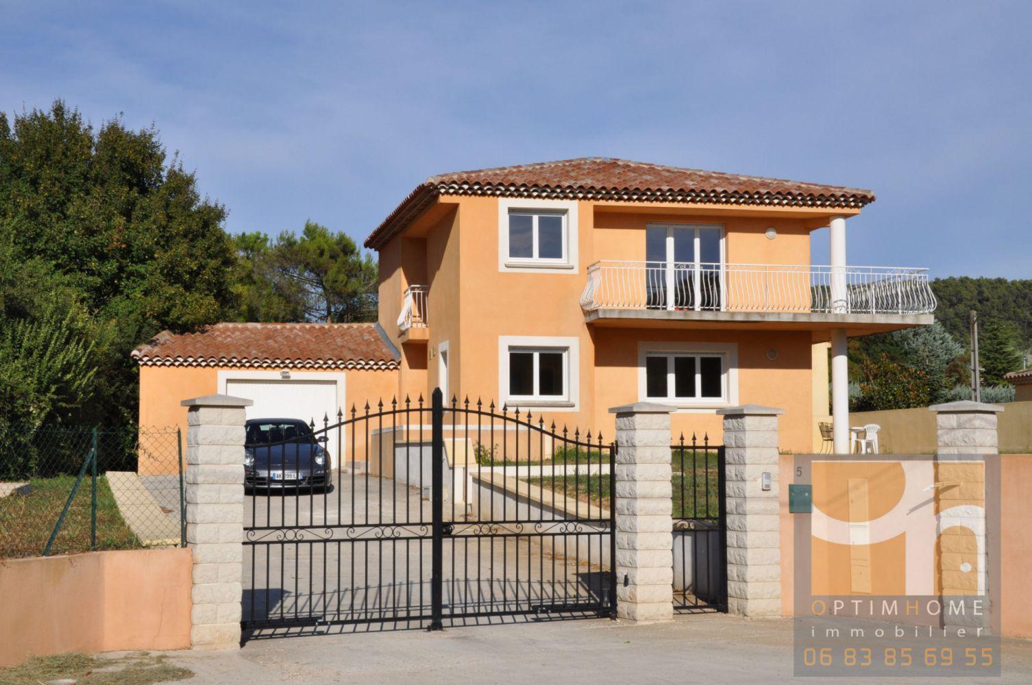 Maison de Type 5, 125 m² sur 880 m² de terrain au calme