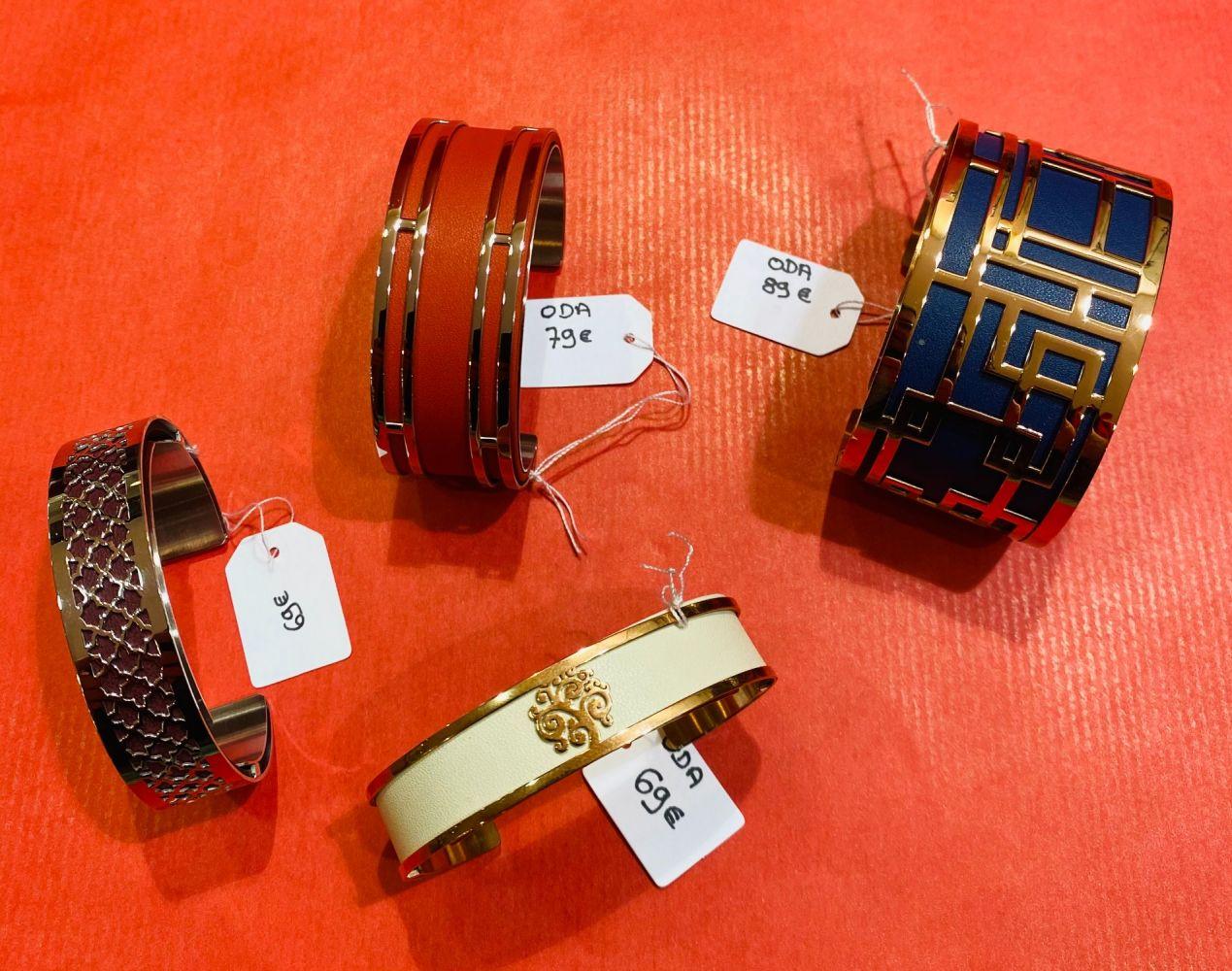 Bracelets ODA (machettes avec cuir interchangeables).